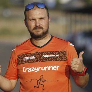 """José Luis Pérez, miembro del club CrazyRunner de Cáceres: """"Correr y ver cómo te superas poco a poco es gratificante"""""""