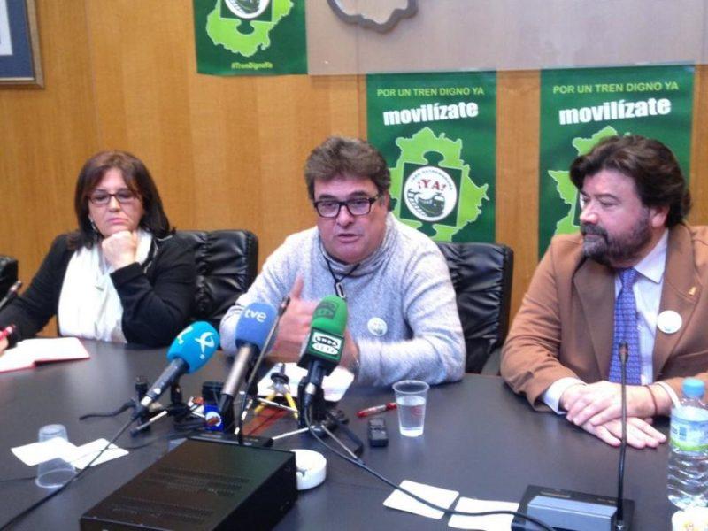 La patronal extremeña y los sindicatos insta al ministro de Fomento a poner plazos a la obra del AVE
