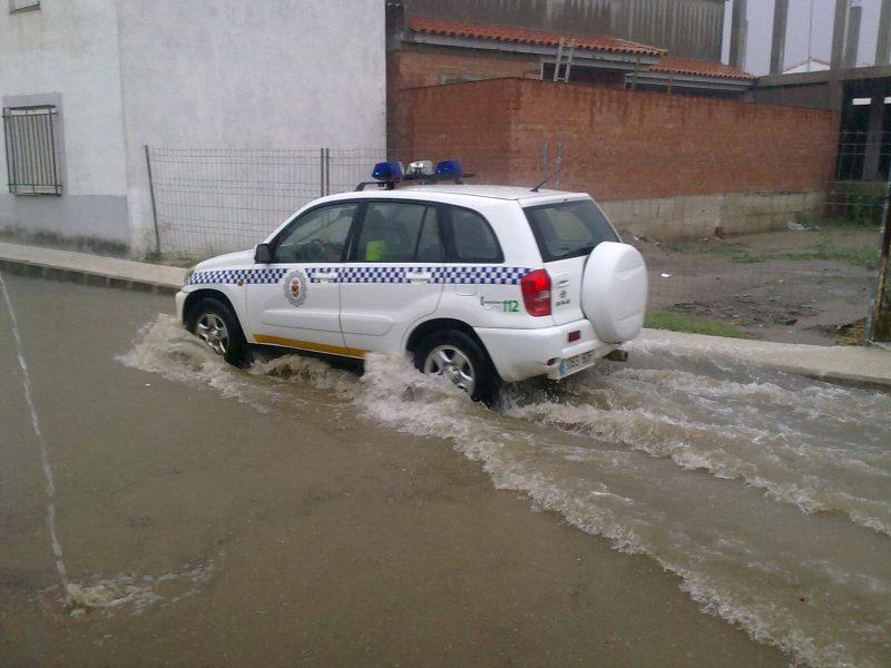 El alcalde de Garrovillas obliga a la policía a usar vehículo sin homologar