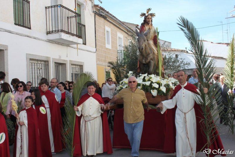 Domingo de Ramos. (procesión del burrinu)